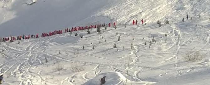 Francia, valanga travolge sciatori: quattro morti e cinque ancora sepoliti