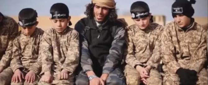 La minaccia dei leoncini del Califfato: allerta italiana sui bambini dell'Isis (VIDEO)