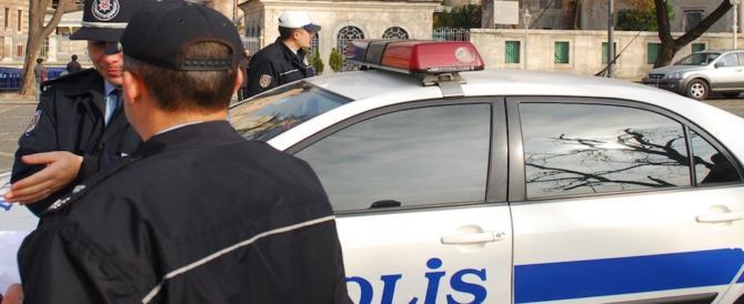 Paura a Istanbul, paziente di psichiatria armato si barrica in ospedale