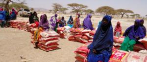 Somalia lasciata sola: migliaia di famiglie in fuga per carestia e siccità