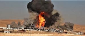 Siria, l'Isis fa esplodere i gasdotti: gigantesco incendio divampa da ore