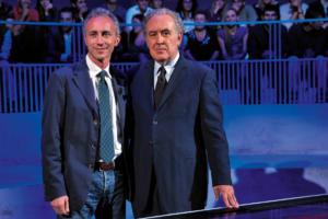 Michele Santoro (nella foto con Marco Travaglio) è tornato in Rai con uno stipendio d'oro