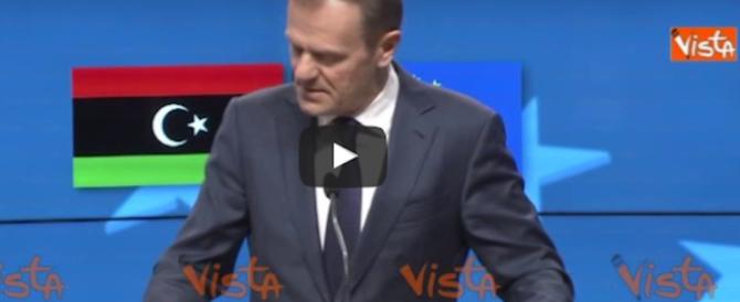 Clandestini, la Ue fa dietrofront. Tusk: chiuderemo la rotta Libia-Italia (video)