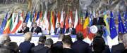 Gli eurocrati si autocelebrano. Juncker scaramantico: «Ci sarà un centenario»