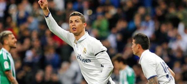 """Cristiano Ronaldo, il """"fenomeno"""" dell'utero in affitto: sarà doppietta?"""