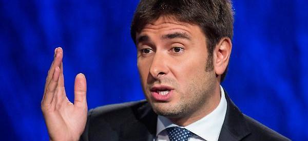 «Italiani rincoglioniti»: Di Battista offende gli elettori. E il web si scatena