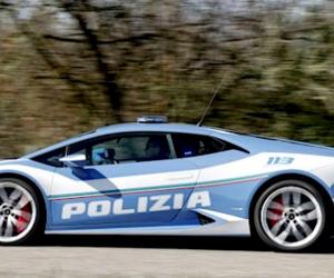 """Consegnata """"Huracàn"""", la nuova Lamborghini della polizia (video)"""