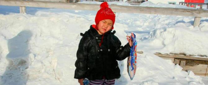 A 4 anni da sola nel bosco in Siberia per chiedere aiuto: «Mia nonna sta male»