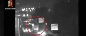 Ucraino ubriaco semina il panico con un Tir sulla Firenze-Roma (video)