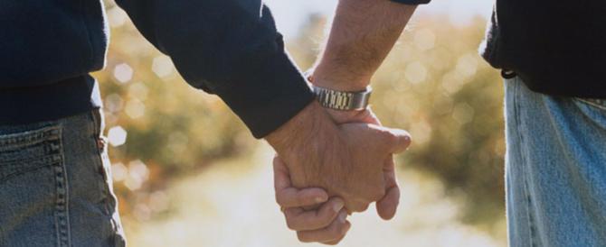 «Non ci danno la casa perché siamo una coppia gay»: la denuncia corre su Fb