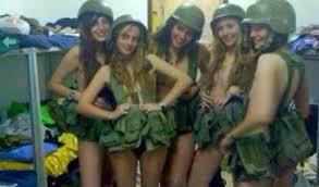 Usa, marines nude su Facebook: e il Pentagono apre un'inchiesta