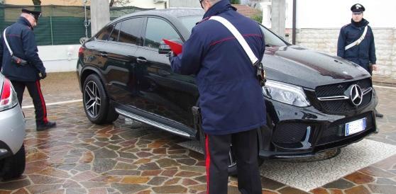 """Rom """"nullatenenti"""", vivevano nel lusso: sequestrati beni per 300mila euro"""