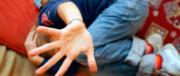 Stupro choc a Giugliano: branco di minorenni violenta un tredicenne disabile
