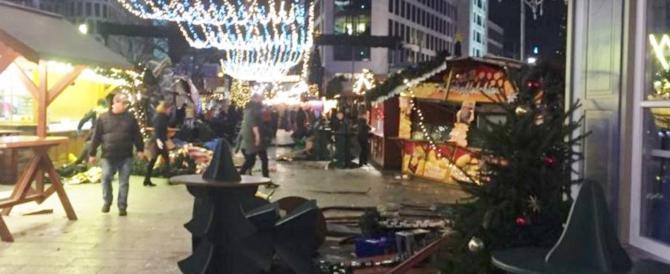 Strage al mercato di Natale a Berlino, altri arresti in Turchia: sono libanesi