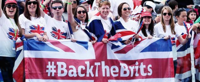 """Il Regno Unito sceglie la strada della """"soft Brexit"""" e rassicura gli europei"""