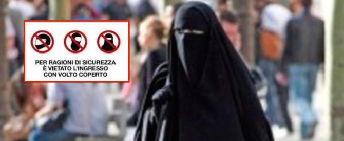 La Liguria vieta il burqa in ospedale: «Una scelta di libertà e sicurezza»