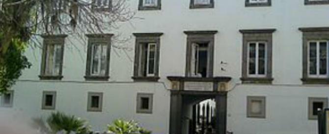 Preti e festini gay a Napoli: è scandalo. Blitz della Guardia di Finanza in Curia