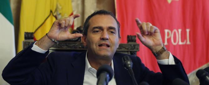 """De Magistris soffia sul fuoco: lo Stato non deve far prevalere il """"capriccio"""" di Salvini"""