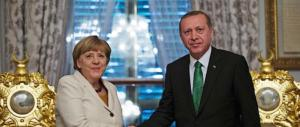 """Tensione Germania-Turchia. Erdogan: """"Berlino favorisce il terrorismo"""""""