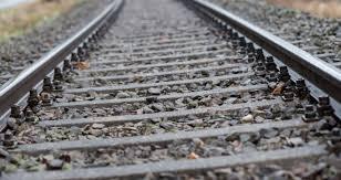 Olanda, un uomo e un bambino muoiono travolti in auto da un treno