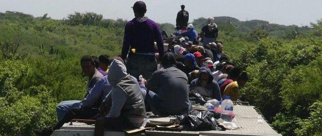 «In Italia ci sono 400mila clandestini, non profughi, di fatto irreperibili»