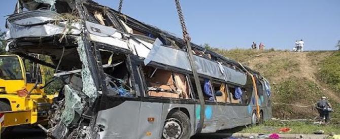 Treno travolge bus in Mississippi: 4 le vittime e una quarantina i feriti