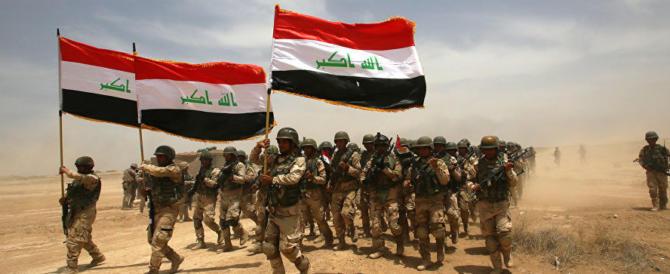 Gli islamici travolti a Mosul: l'Isis in rotta usa i civili come scudi umani