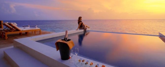 AAA «Lavoro più bello del mondo» offresi: bisogna testare hotel di lusso (video)