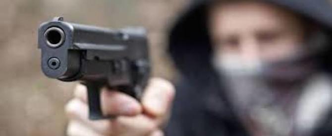 Legittima difesa, 6 italiani su 10 in caso di pericolo si dicono pronti a sparare