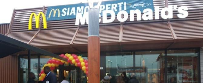 """Salvini a Silvio: """"Ti vengo incontro, primarie anche nel McDonalds!"""""""
