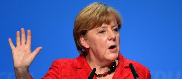 Nazismo, «la devi smettere subito»: duro monito della Merkel a Erdogan