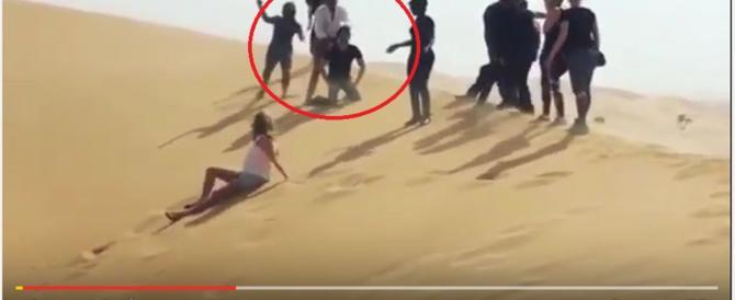 Rod Stewart simula un'esecuzione dell'Isis, poi si scusa (video)
