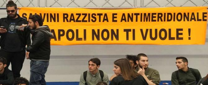 """Da Lampedusa una lezione a Napoli: accoglienza """"pacifica"""" per Salvini"""