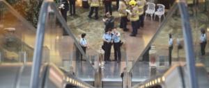 Scala mobile impazzisce nel centro commerciale: 18 feriti (VIDEO)