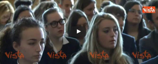 Mattarella: «Il capo dello Stato deve essere un arbitro discreto» (video)