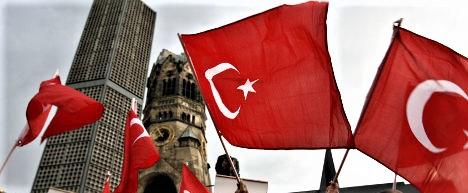 Ankara ricatta l'Europa sui clandestini. E Berlino si schiera con l'Olanda