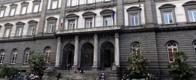 Napoli, festa dei collettivi in facoltà. Il giorno dopo arriva la disinfestazione