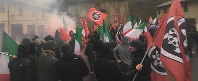 Anche il vescovo al corteo antifascista nella Tuscia contro CasaPound