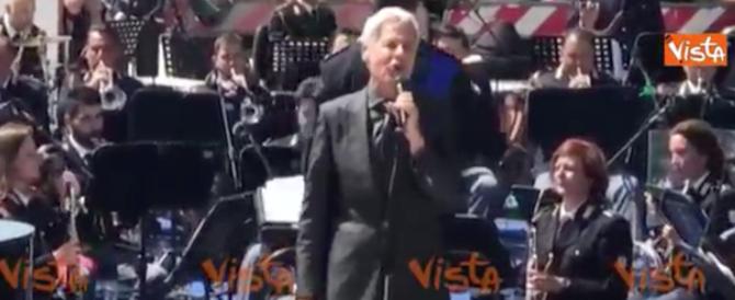 Claudio Baglioni in concerto per le Forze di Polizia. Ecco il video