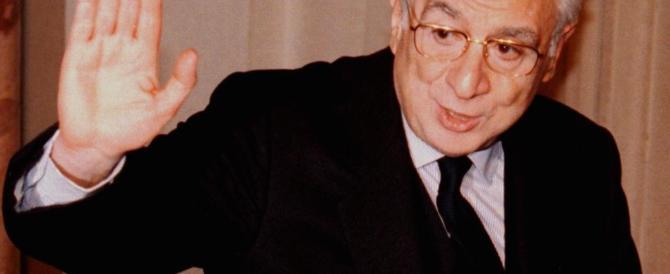 Venticinque anni fa le dimissioni di Cossiga, il presidente picconatore (VIDEO)
