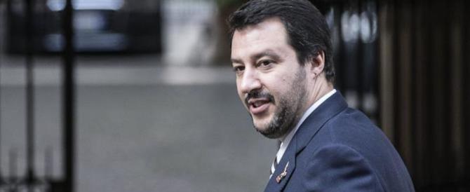 """Salvini contro gli """"scafisti"""" di Stato: """"Alfano dimettiti, Zuccaro vai avanti"""""""