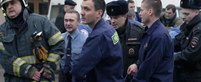 San Pietroburgo, è di nuovo paura: ordigno disinnescato in un palazzo