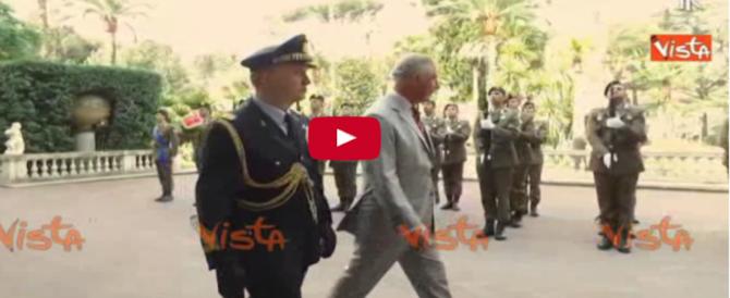 Viaggio in Italia di Carlo e Camilla: il confronto con Diana non regge (video)