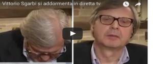 Sgarbi si addormenta in diretta tv. È panico: «Vittorio, sei vivo?» (video)
