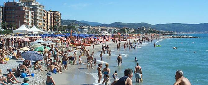Gasparri: «Bravo Toti, la tua legge sulle spiagge apripista per la tutela»