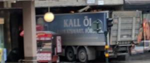 Attentato in Svezia, camion sulla folla. Segui la diretta da Stoccolma