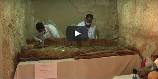 Egitto, scoperta una tomba faraonica di 3500 anni fa con 6 mummie (video)