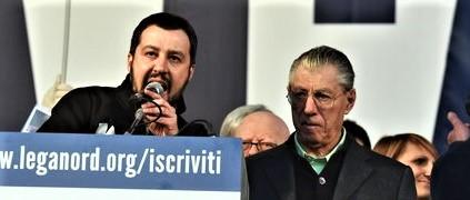 Lega, Bossi spinge verso Berlusconi. Salvini: e allora candidati tu a leader