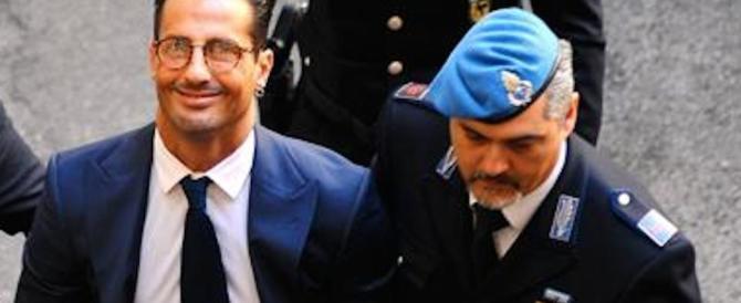 """Fabrizio Corona, disperata lettera alla Toffanin: """"Sono pronto a morire"""""""