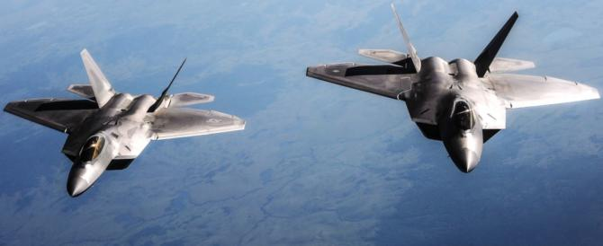 Guerra Fredda: F-22 Usa intercettano in Alaska aerei militari russi (video)